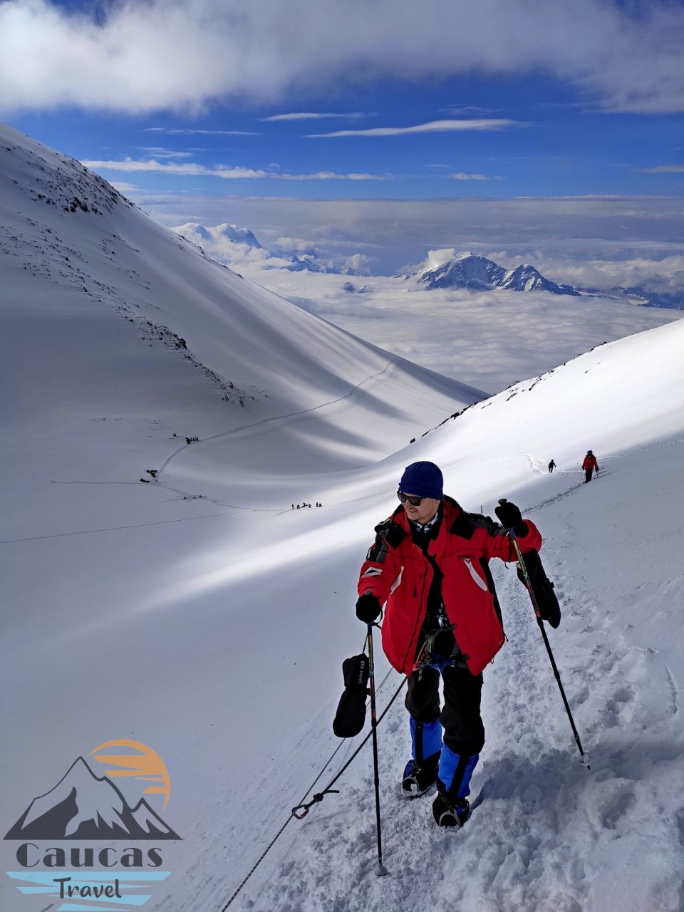 the-saddle-of-Elbrus-climbing