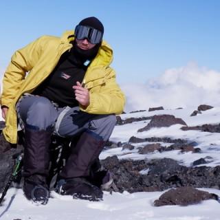 Одежда и снаряжения Романа М. участника восхождения на Эльбрус с севера в июне 2020 года
