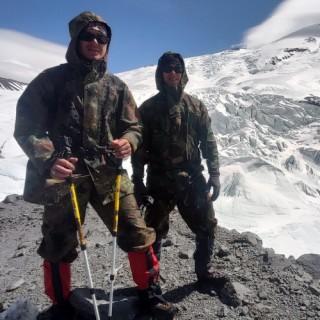 Одежда и снаряжения Алексея К. участника восхождения на Эльбрус с севера в мае 2020 года